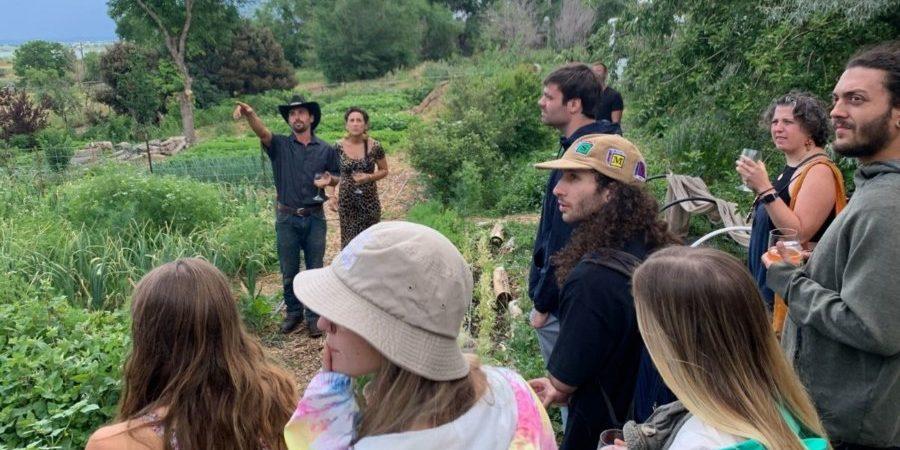 Crowd at Elk Run Farm_KGNU